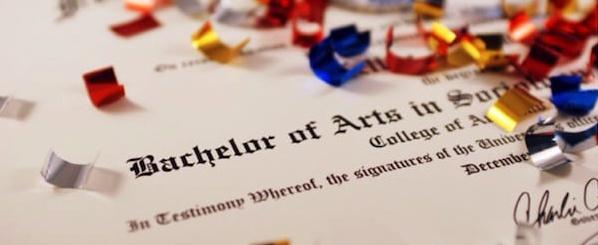 Bachelor of Arts (BA) và Bachelor of Sciences (BS)