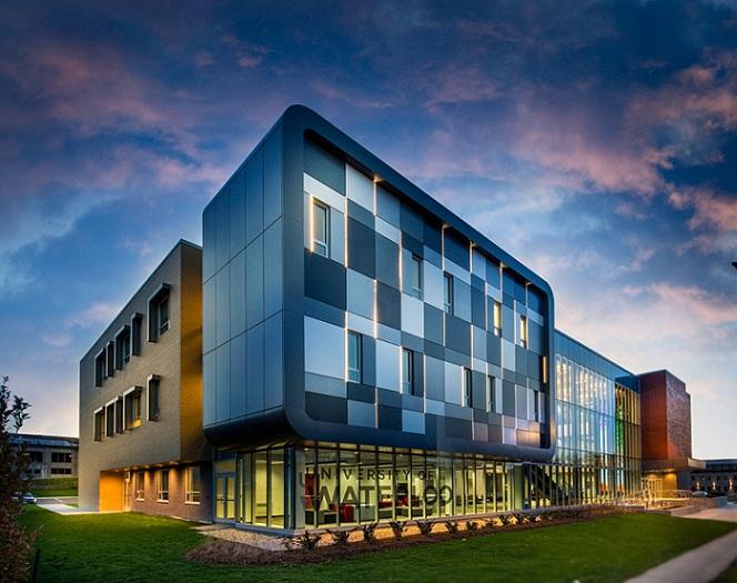Trường Đại học University of Waterloo