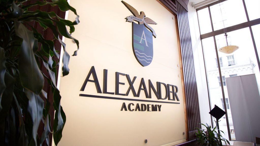 Du học canada Thông tin Alexander Academy: Ngành, học phí & đánh giá