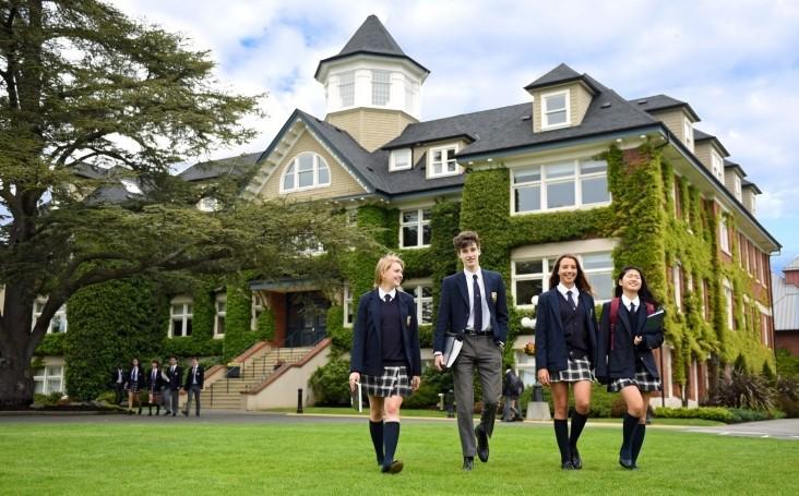 Giới thiệu học bổng du học Canada bậc THPT tại trường Brookes Shawnigan Lake