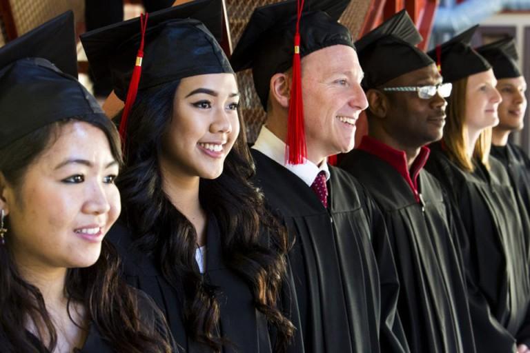 Thông tin Cao đẳng Red River College: Ngành học, học phí & đánh giá