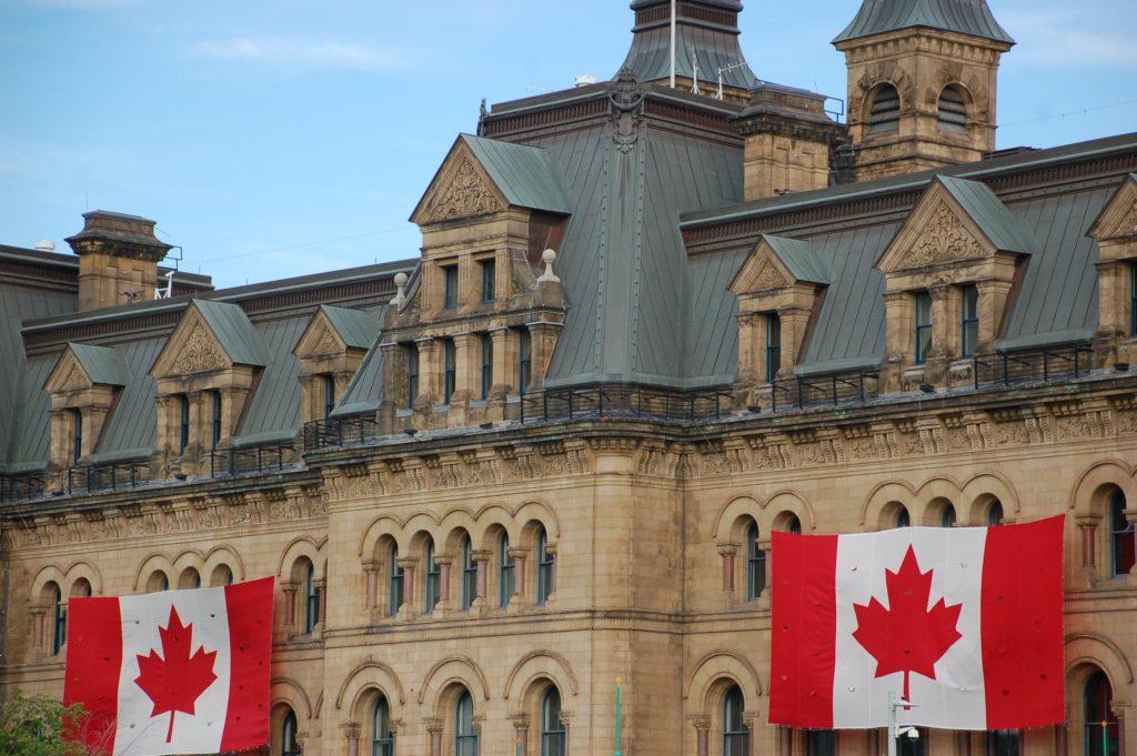 Có visa Canada được miễn visa nước nào?