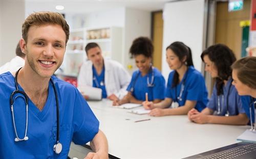 Du học ngành y tá điều dưỡng, trợ lý nha sĩ tại Canada